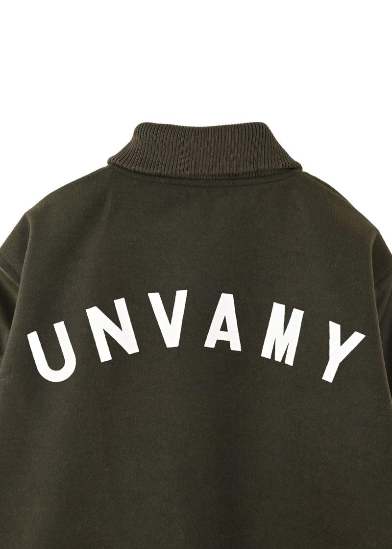 【UNVAMY】バッグロゴスタジャン/MENS(カーキ)