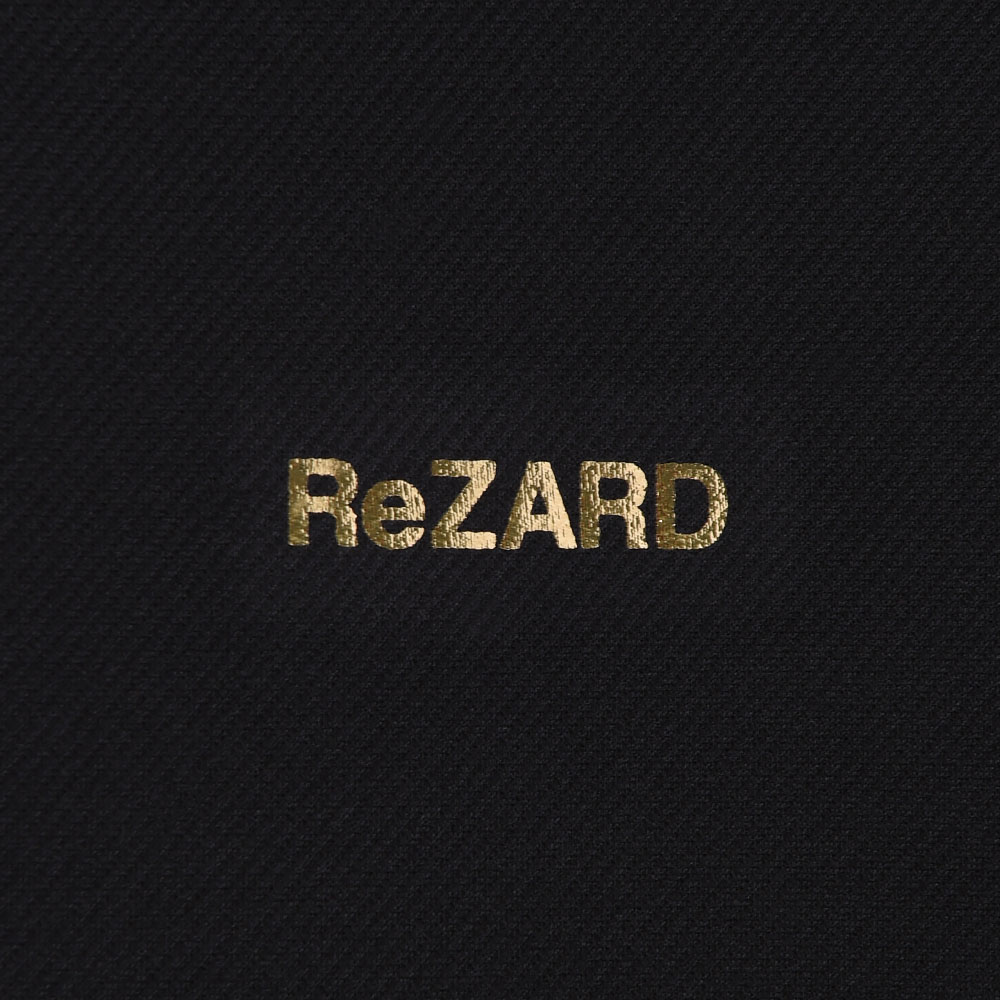【ReZARD】One-point Logo Zip-up Hoodie