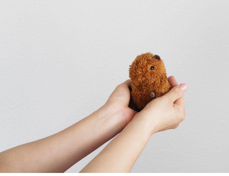 baby strap カピバラ ダークブラウン マスコットストラップ  かわいい動物の赤ちゃん  ベィビーナチュレ(ベビーナチュレ)