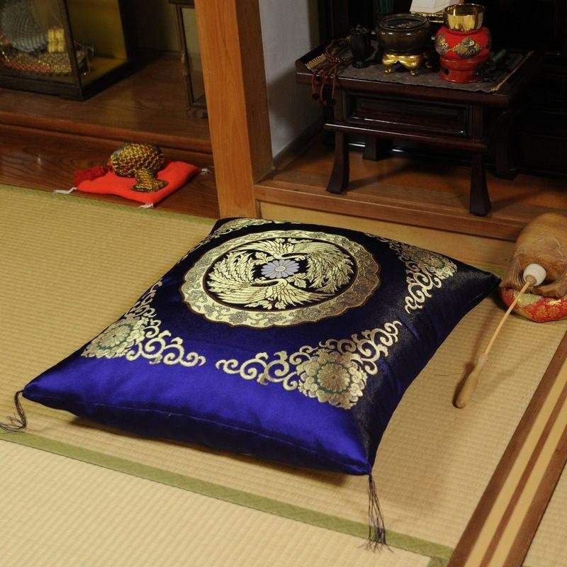 高貴な座布団 金襴 璋風(しょうふう) 紫(大判サイズ68x72cm)