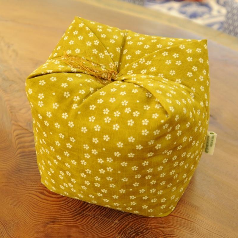 KAKU座 角(かく) 桜さくら 黄檗色(きはだいろ)