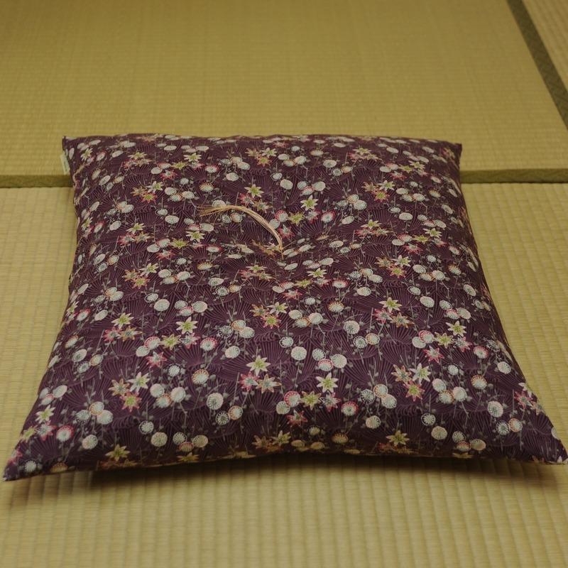 座布団 菊もみじ(きくもみじ) 本紫(ほんむらさき)