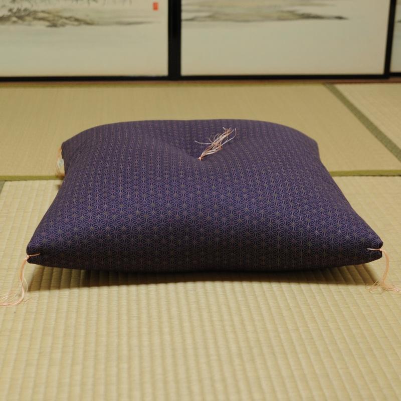 座布団 あさもよう 紫色 (むらさきいろ)
