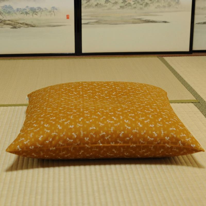 座布団カバー とんぼ 黄蘗色(きはだいろ)