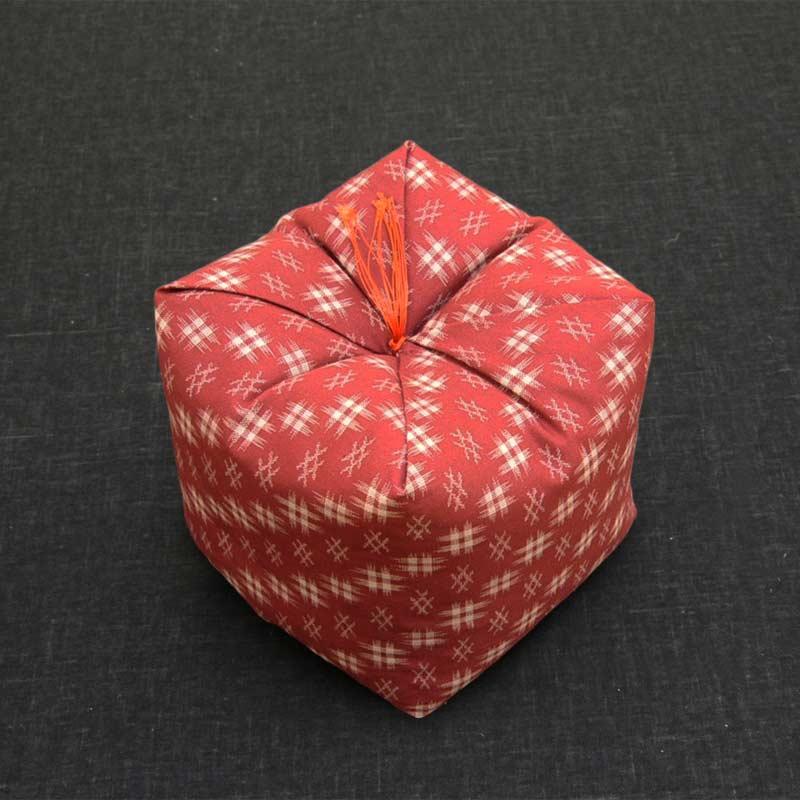 KAKU座 角(かく) 井絣 臙脂井絣(えんじいがすり)