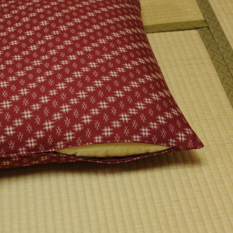 座布団カバー 井絣(いがすり) 臙脂井絣(えんじいがすり)