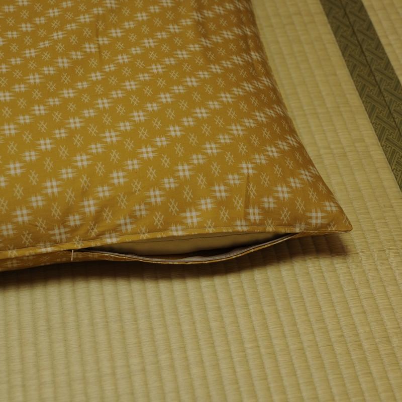 座布団カバー 井絣(いがすり) 金茶井絣(きんちゃいがすり)