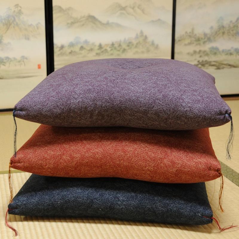 座布団 波文様(なみもんよう) 紺色(こんいろ)45×45cm