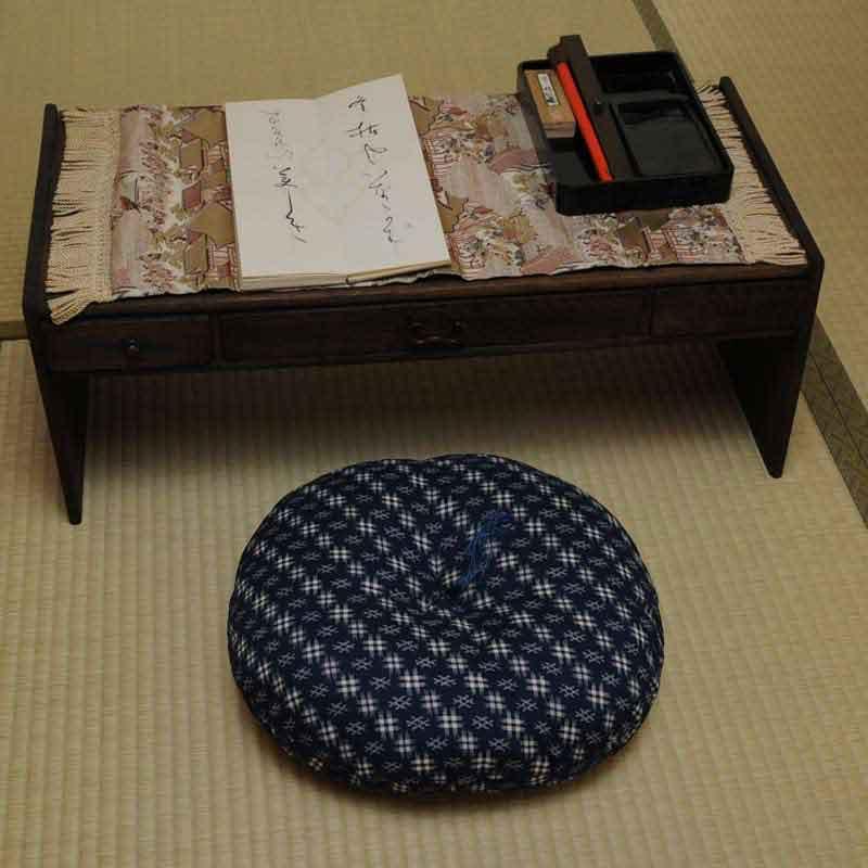 丸座布団 井絣(いがすり)