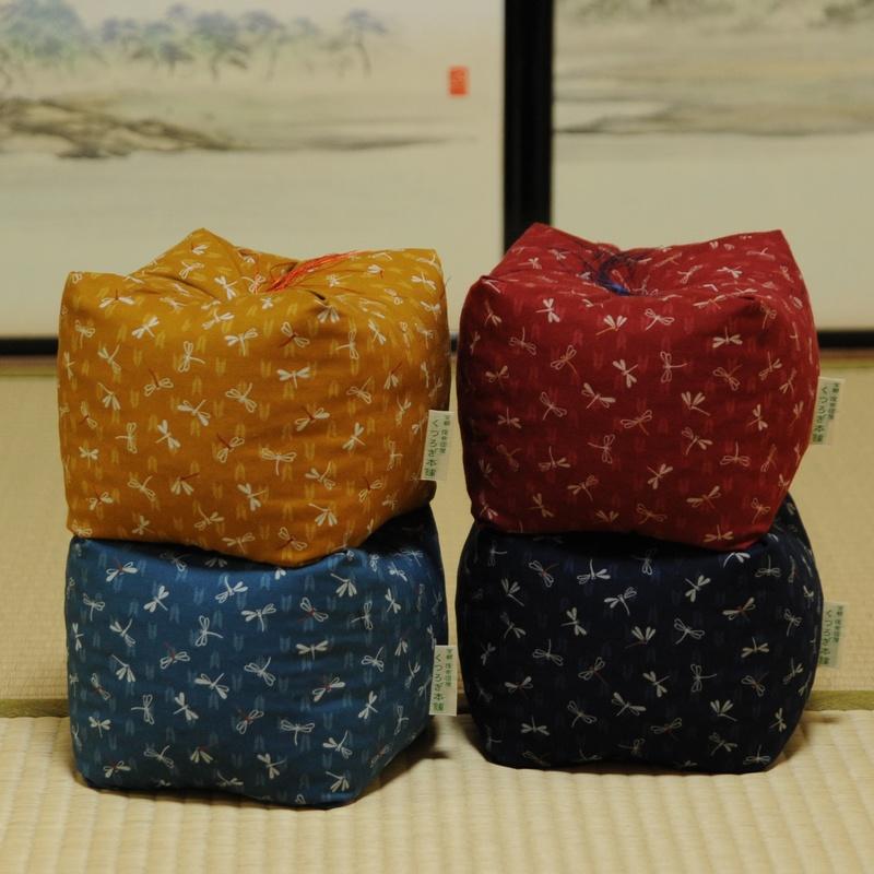 KAKU座 角(かく) とんぼ 臙脂色(えんじ)