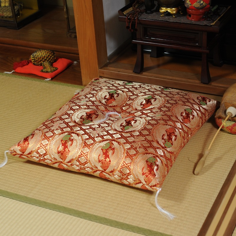 高貴な座布団 金襴 向鳳凰 赤(大判サイズ68x72cm)