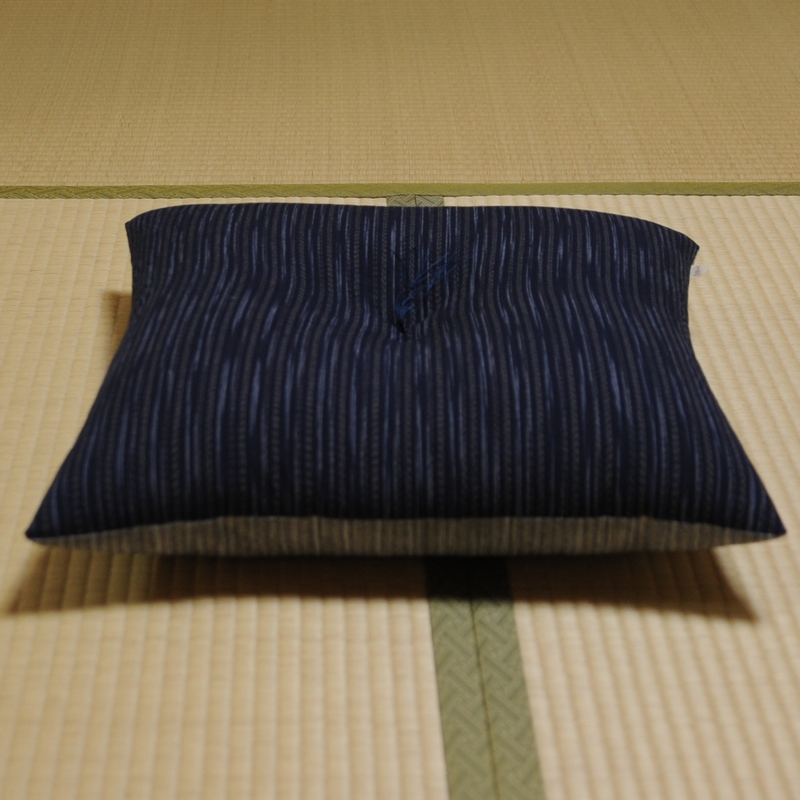 座布団 亀田縞(かめだしま) リバーシブル(表生地色と裏生地色を別色にて製作)