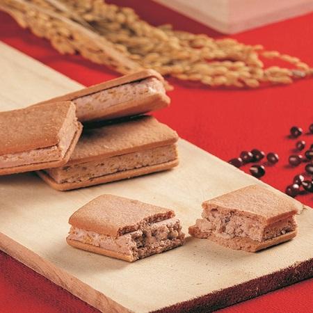 出雲のお福わけ ぜんざいサンドクッキー