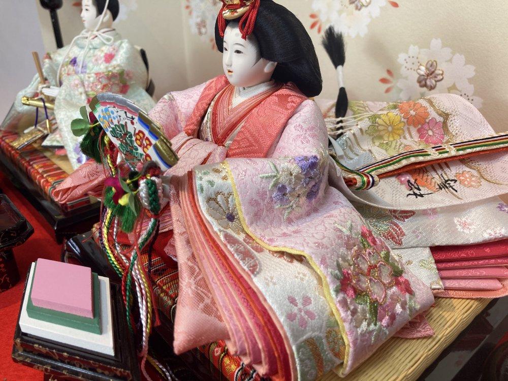 十二番京刺繍親王<BR>オリジナル桐収納飾り