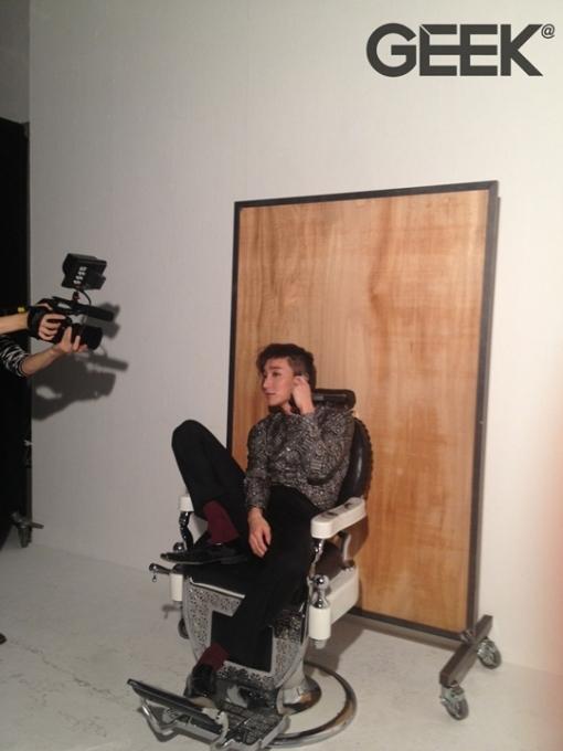 韓国雑誌 GEEK 2012年12月号 SUPER JUNIORイトゥク 軍入隊直前剃髪グラビアカット掲載(古いバックナンバーのため表紙の上下のみ若干の黄ばみあり)[送料無料]