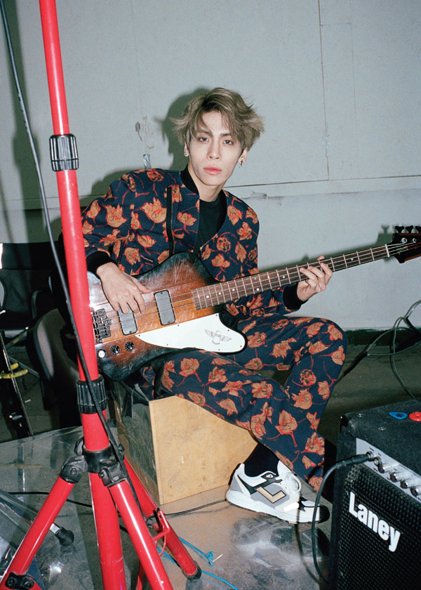 韓国雑誌 Dazed & confused Korea 2015年2月号 SHINee ジョンヒョン掲載![送料無料]