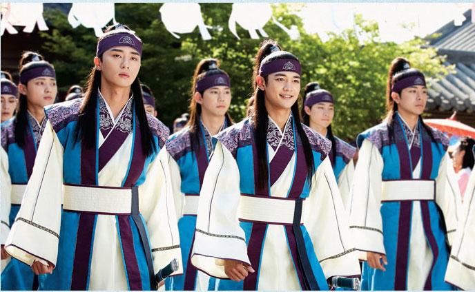 パク・ソジュン、ヒョンシク(ZE:A)、ミンホ(SHINee)、V(テヒョン/防弾少年団)、コ・アラ主演ドラマ「花郎(ファラン)」フォトブック