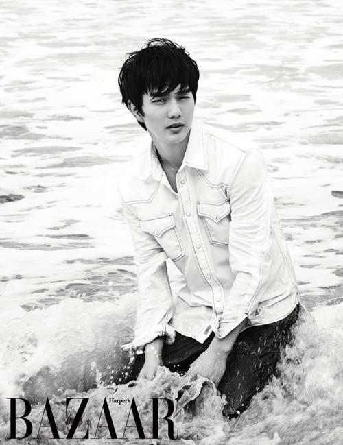 【早くて安心のEMS発送!】韓国雑誌BAZAAR(バザー)2013年3月号 ユ・スンホ、2NE1 CL(シエル)掲載(EMS送料込み)