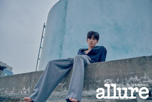 韓国雑誌 allure KOREA 2017年11月号 キム・ミンソク掲載