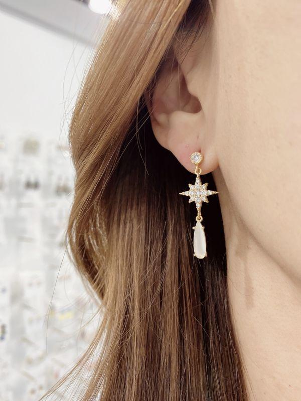 【Concept8・ピアス】ポラリスホワイトティアー(ドロップ)ピアス (両耳用/2個セット) (韓国 ファッション アクセサリー )
