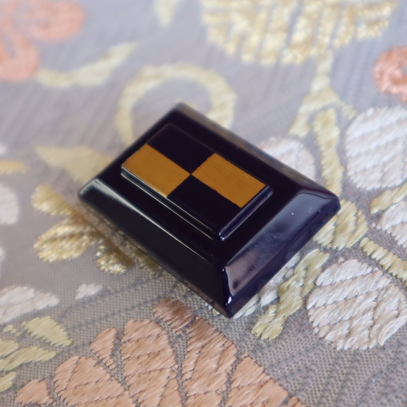 帯留め 純金箔  市松模様 木製 ギフトBOX入り