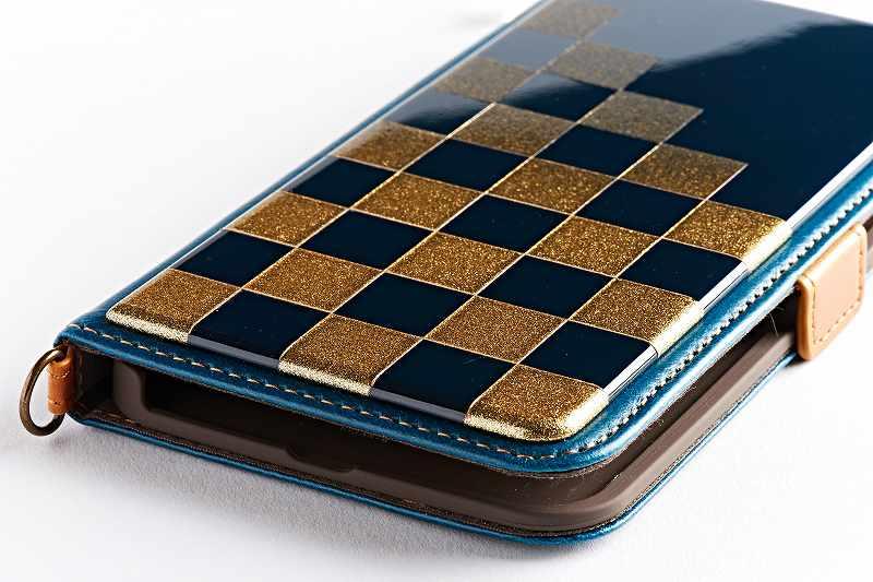 iPhone11/11pro/11pro-MAX 専用ケース 純金色 市松模様 2色