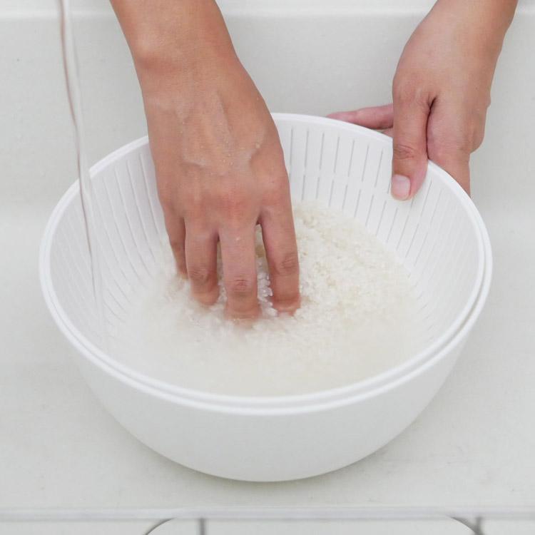 米とぎにも使えるザルとボウル ホワイト