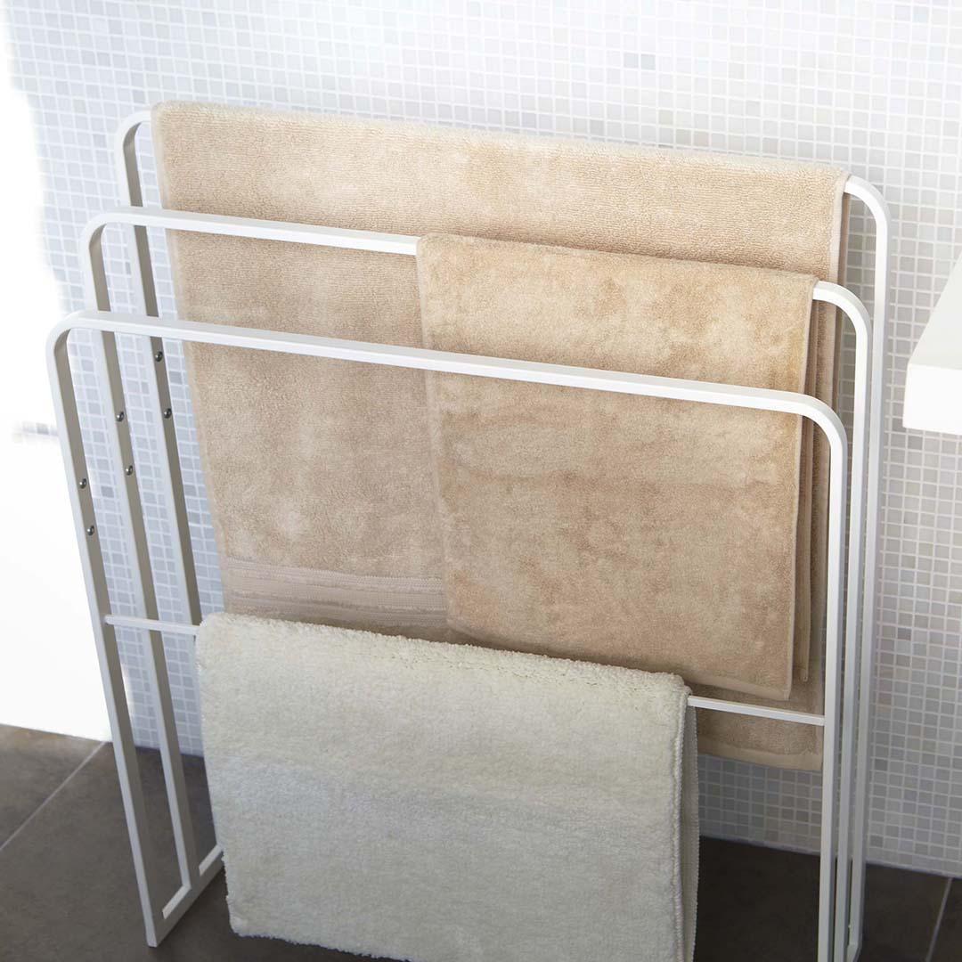 横から掛けられるバスタオルハンガー 3連 タワー ホワイト