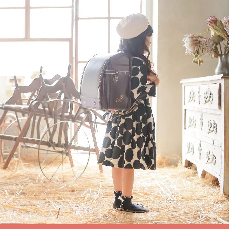 少量在庫有 くるピタエル ナチュラルガール ランドセル 女の子 2022 日本製 カーマイン チョコ 茶色 赤 6年保証 代引手数料&送料無料! 名入れ特典 早期購入図書カードプレゼント 1el9684kr
