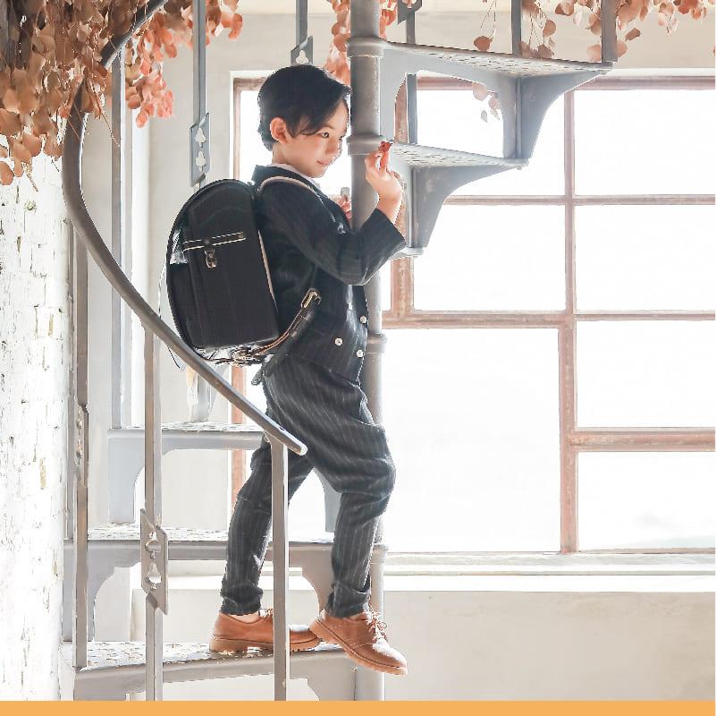 少量在庫有 極上レザーコードバンモデル ランドセル 男の子 女の子 牛革 最新版 2022 日本製 ブラック 6年保証 代引手数料&送料無料! 早期購入図書カードプレゼント1rm9118u