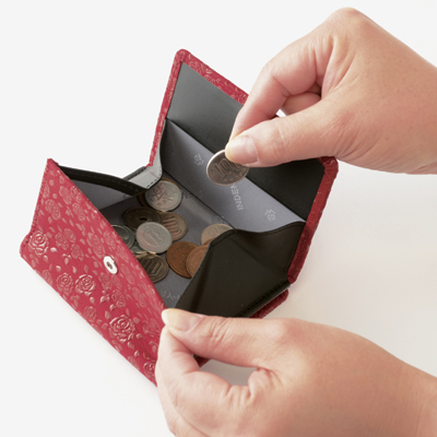 【甲州印伝 】No.2215 二つ折り財布外型小銭入