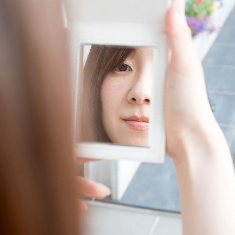 ミニヨン【次世代手鏡】超高透明!!ウルトラクリア鏡 高100 × 幅80(鏡サイズ:80×60)