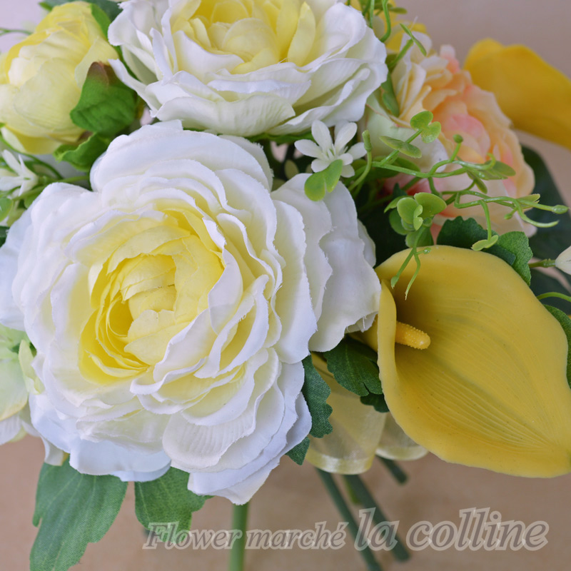 ラナンキュラスのラウンドスタンドブーケ(イエロー)【アーティフィシャルフラワー(高級造花)アレンジ】
