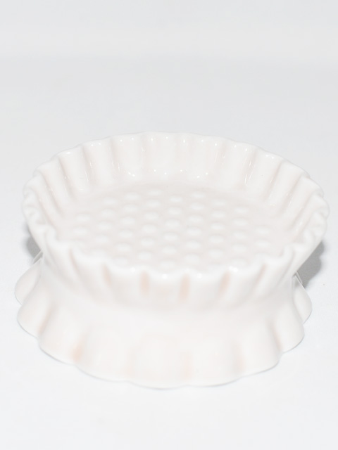 THROW A KISS ソーサー(水受け皿) 磁器 5種類