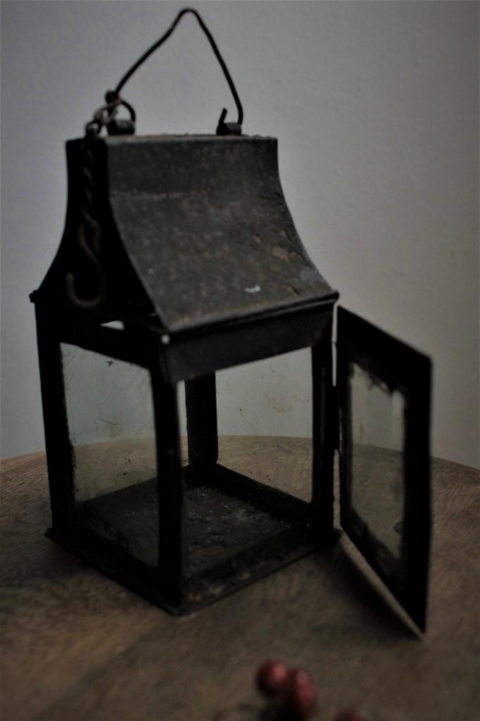 古道具 小さな黒いランタン キャンドルホルダー