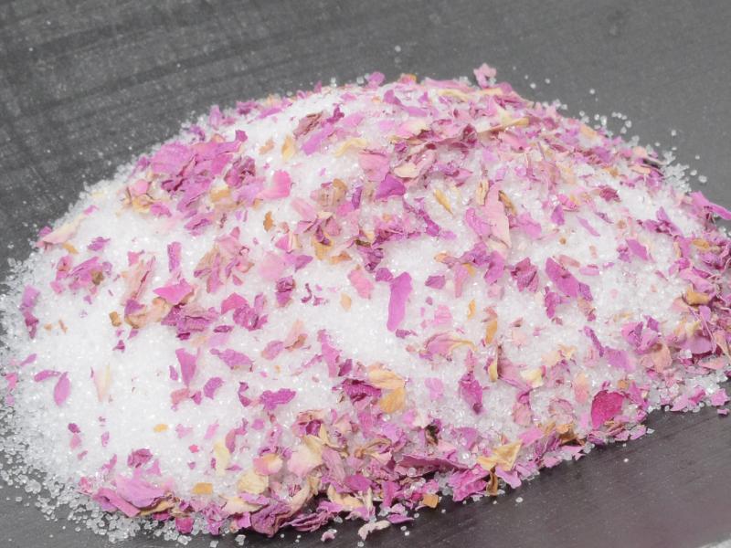 【送料無料】薔薇のお砂糖 300g袋入り【国産てんさい糖】【プレミアムダマスクローズ】【薔薇砂糖】【花びら増量】