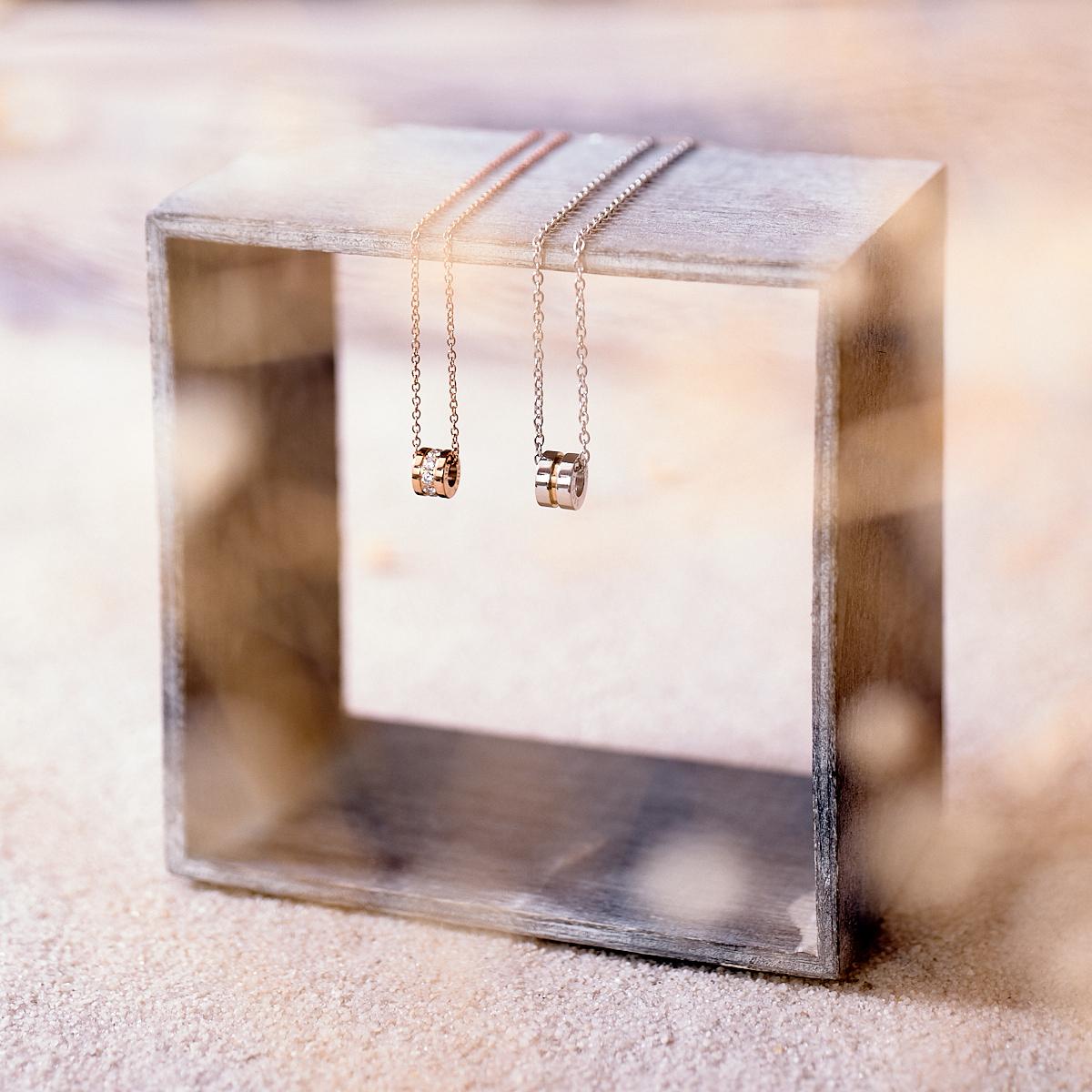 Lauss 小さめサイズにこだわった サークル・ライト ペアネックレス opp00051 (長方形パッケージ)conpact