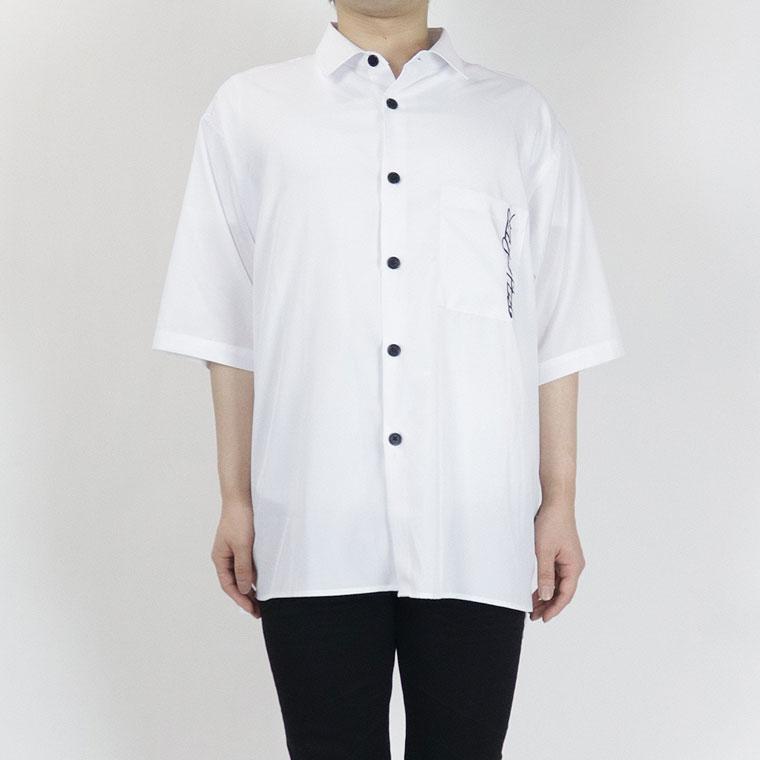バックプリントシャツ