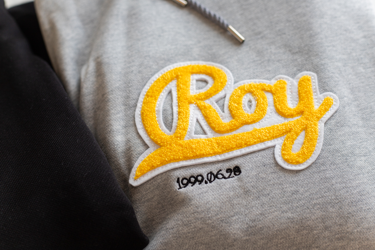 Roy ロゴパーカー