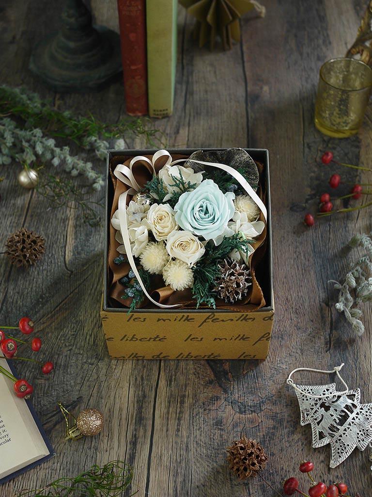 【クリスマス限定商品】プリザーブドフラワー|白・ブルー系