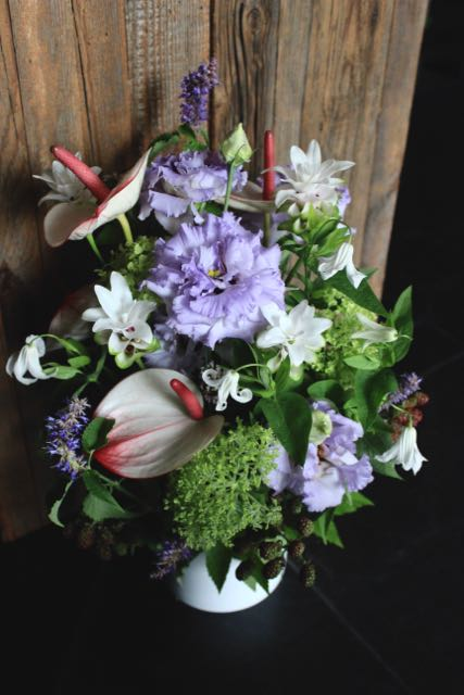 淡白磁 awahakuji 涼やかな印象の花々を伸びやかに[ アレンジメント Special ]  #002