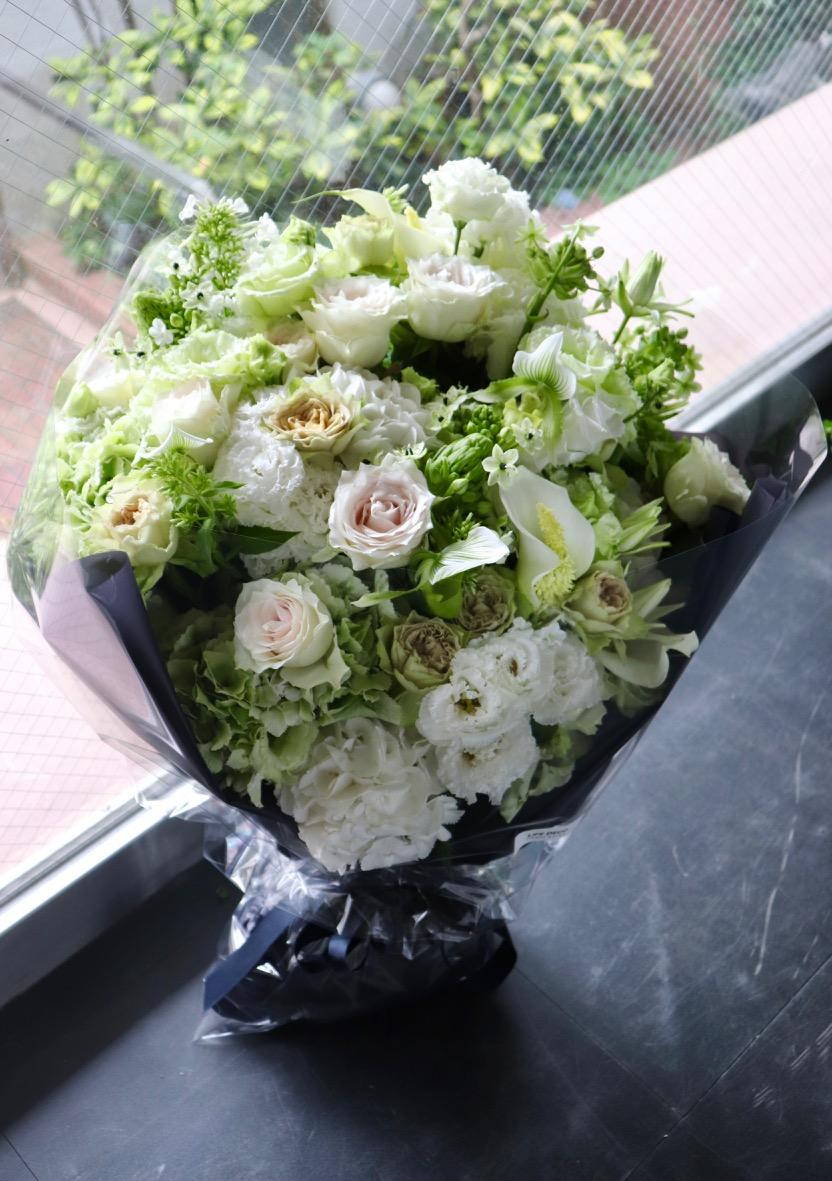 雲海 unkaii ラグジュアリーの王道カラーで都会的な庭園をイメージ[ 花束 6L size ] #002