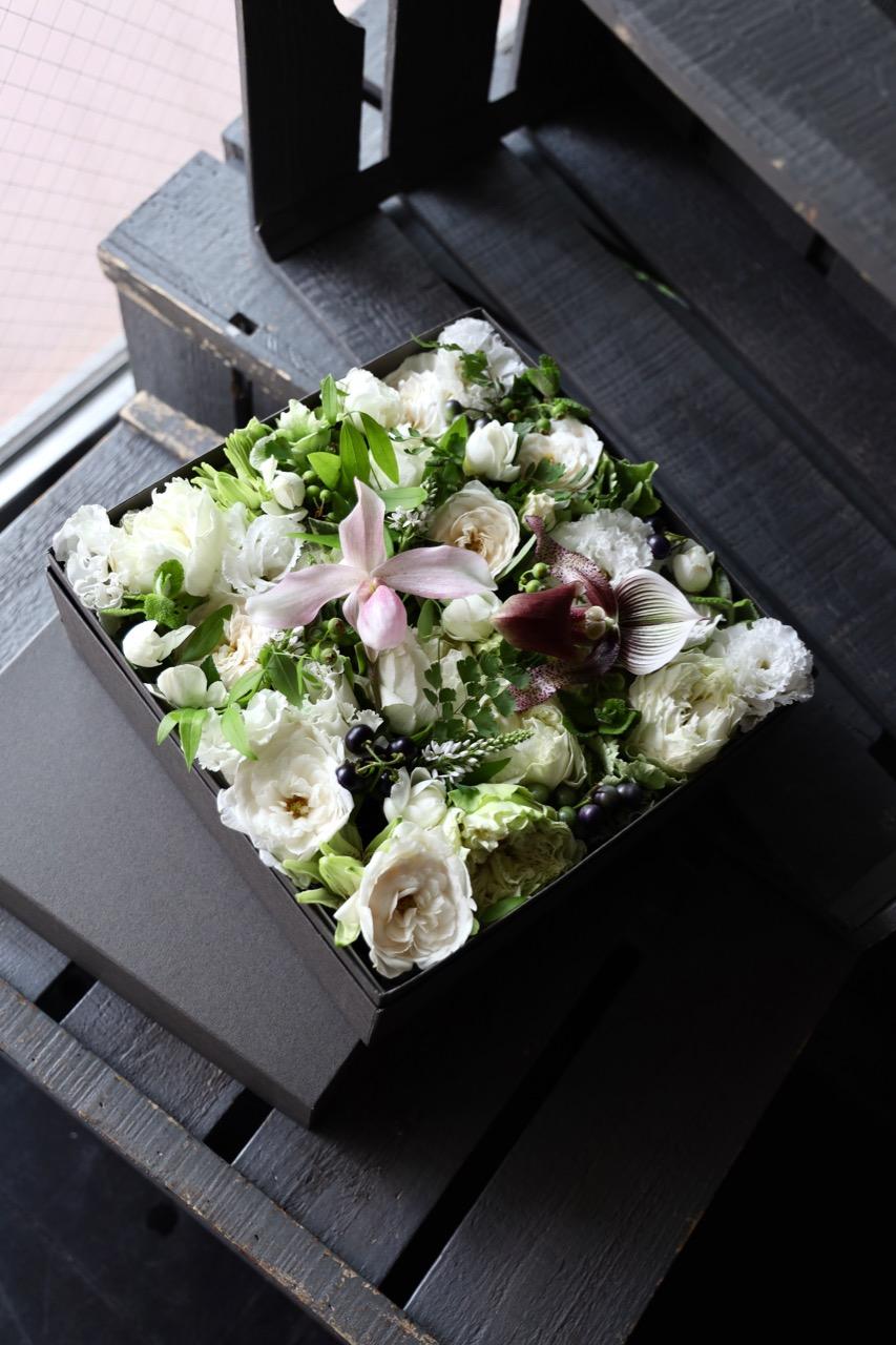 白小町 shirokomachi ラグジュアリーの王道カラー The luxury [Box Flower 27cm] #002