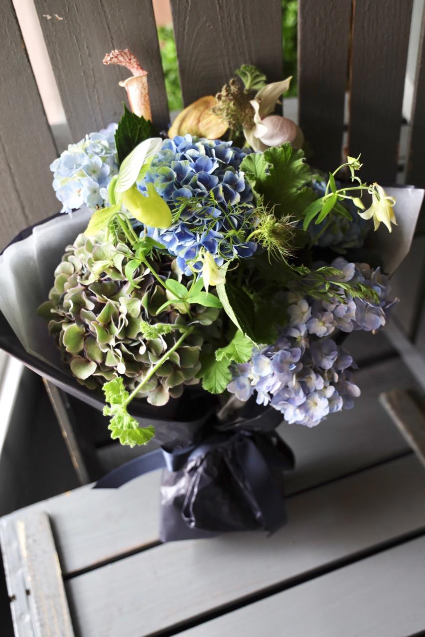 碧玉 hekigyoku 6月の花 季節限定の青色ハイドランジア [June flower] [Bouquet L size] #002