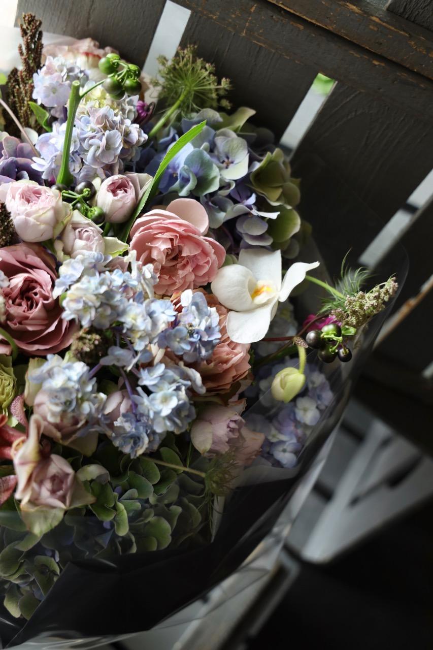 青菫 aosumire 生命力溢れるシャビーシックカラー エレガントに季節のお薦め花材で[ 花束 3L size ] #002