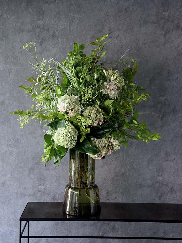 若菜 wakana 季節の枝や花をグリーン一色で爽やかに[投げ入れ] #002