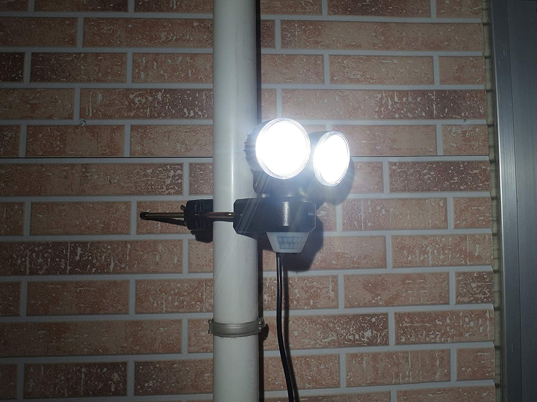 DAISHIN AC スタンダード LEDセンサーライト2灯式 DLA-N4T200 防犯 セキュリティー 照明 投光器【全国送料無料】エコ
