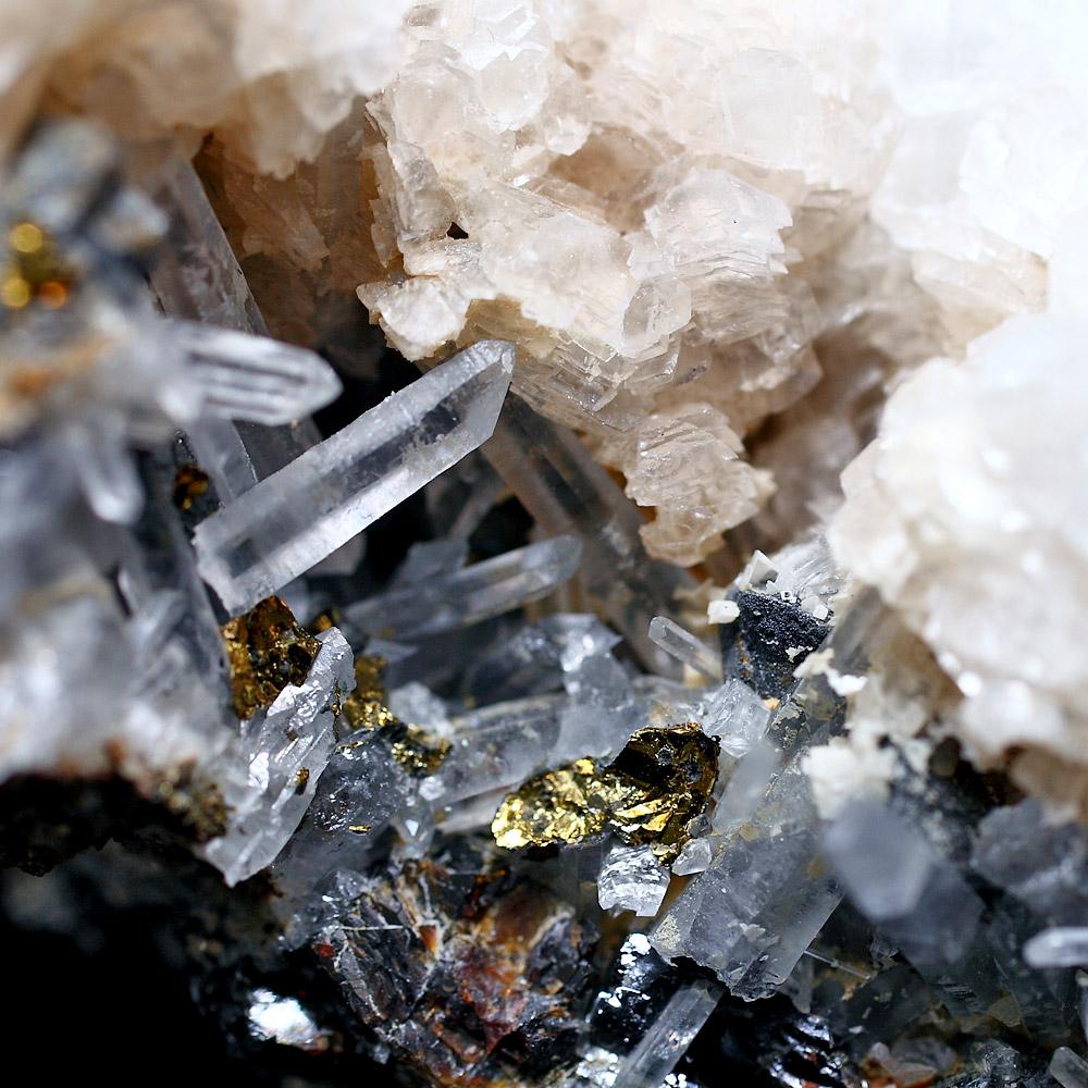 パイライト・カルサイト共生水晶クラスター