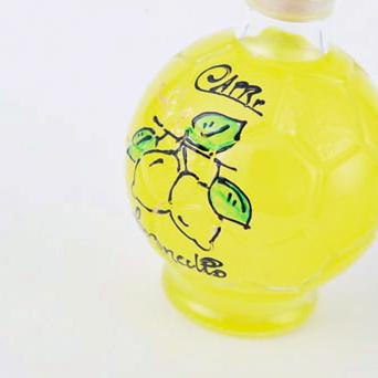 【25%OFF&残り3本!】リモンチェッロ サッカーボール 200ml&レモンチョコレート4個入りプレゼント!