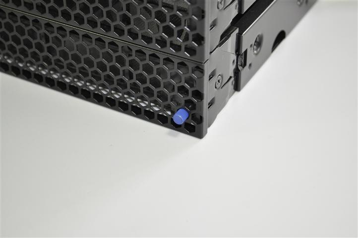 NINE HUNDRED系汎用 ファン付き3.5インチドライブベイ 青 電源ペリフェラル(保守部材)*